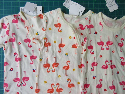 フラミンゴ柄Tシャツ