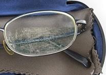 メガネ汚れ―2
