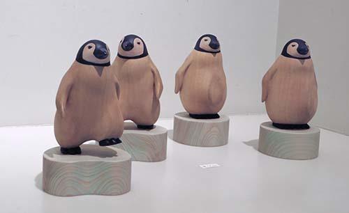 歩くペンギン