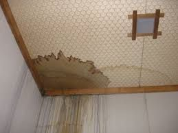 天井からの漏水