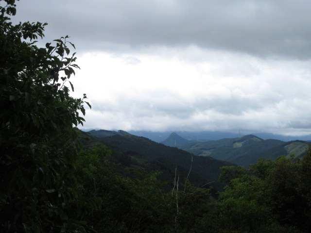 IMG0015JPG日岳と英彦山は見えない