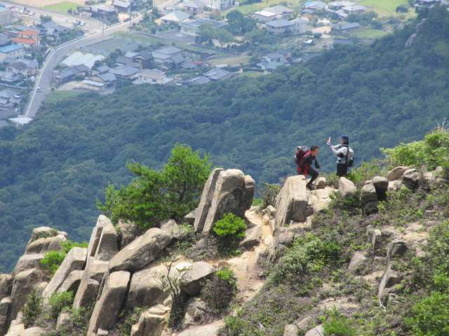 IMG0072JPG岩場の登山者