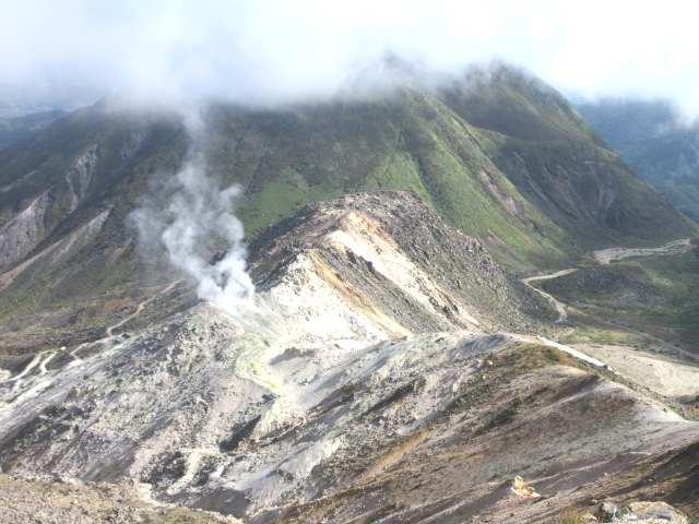IMG0032JPG硫黄山と三俣山