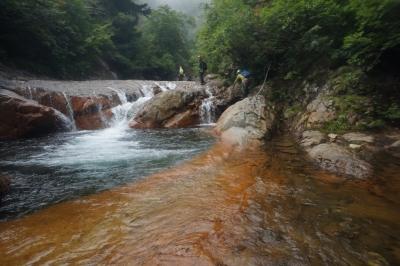 前川大滝沢_美しいナメと緑色の深い淵2