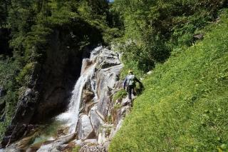 大滝の滝口へ