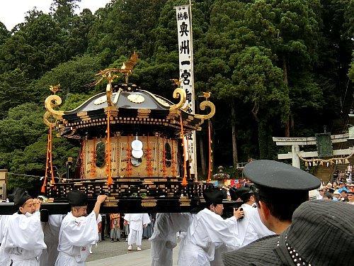 塩竈神社の神輿
