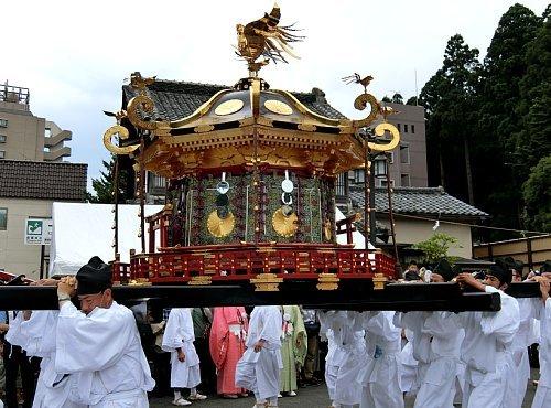 志波彦神社の神輿