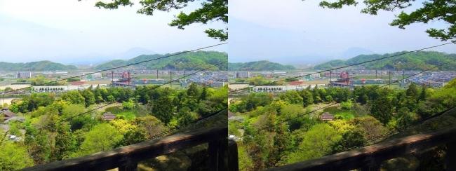 彦根城 附櫓からの滋賀県立彦根総合運動場(交差法)