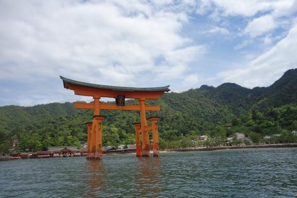 厳島神社・本殿01