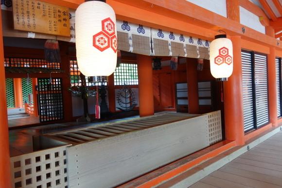 厳島神社・客神社03