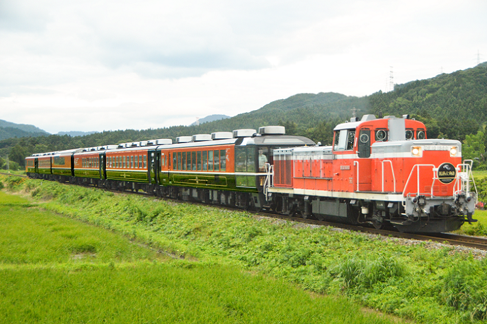 DSC_5700-3 190715 9233レ 馬下~猿和田