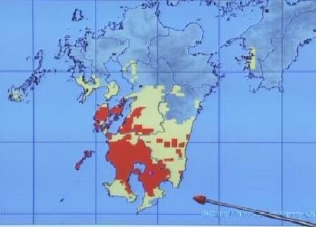 記録的な大雨となっている九州、南部では降り始めの雨量が1000mm近くに … 鹿児島市では27万5000世帯に避難指示、大雨特別警報発令の可能性も