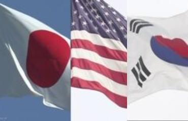 ロイター「ある米政府高官が日韓が話し合いの時間を確保するための『据え置き協定』を締結するように求めた」→ (偏向フィルター?)→ マスコミ「アメリカが仲裁案、『ホワイト国』除外の延期促す」
