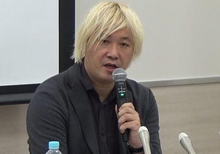 津田大介、1ヶ月前のインタビューで「芸術監督に与えられている権限は大きく、作家選びは当初学芸員に任せるつもりだったが、ピンとこなくて自らの決定権で選んだ」→ 自ら慰安婦像や天皇侮辱作品にすり替える