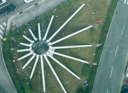 釜山にある国連軍参戦記念塔、空から見ると旭日模様である事が判明し大騒動に(画像) … 釜山市議 「国連軍参戦記念塔は旭日旗模様として造成されていたのは疑いもなく、専門家と検証し真相を解明しなければならない」