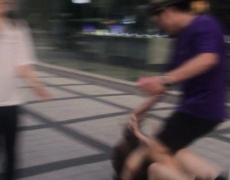 韓国住の女さん 「韓国で韓国人にナンパされて無視し続けたらずっと付き纏われて、差別暴言を延々吐かれて、髪の毛引っ張られる暴行をされた。韓国治安悪すぎて無理」(動画)