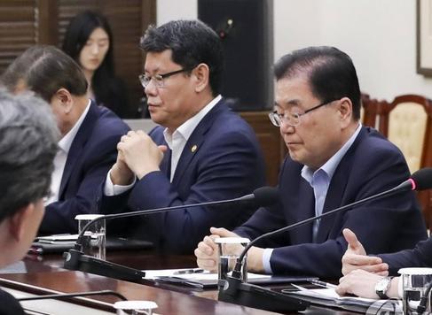 韓国高官「日本とのGSOMIAの終了を決めた背景に、こちらが延長決定した後に日本が破棄する可能性があると判断した。我々が協定を延長して破棄されれプライドが傷つけられるハメになるから、こちらから先に破棄してやった」