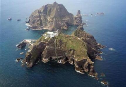 韓国の与野党国会議員、島根県・竹島に密入国 … 目的について、太平洋戦争中の「徴用」をめぐる問題や、輸出管理などで日本政府の対応に抗議するためと主張