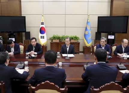 """事実を書くだけで「差別を扇動」と、何故か韓国""""だけ""""に意味不明の優しさを見せる国内の左派、ネットに於いて韓国ニュースは既に「笑いのコンテンツ化」へ"""