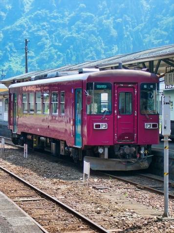 長良川鉄道 ナガラ3形 気動車【郡上八幡駅】