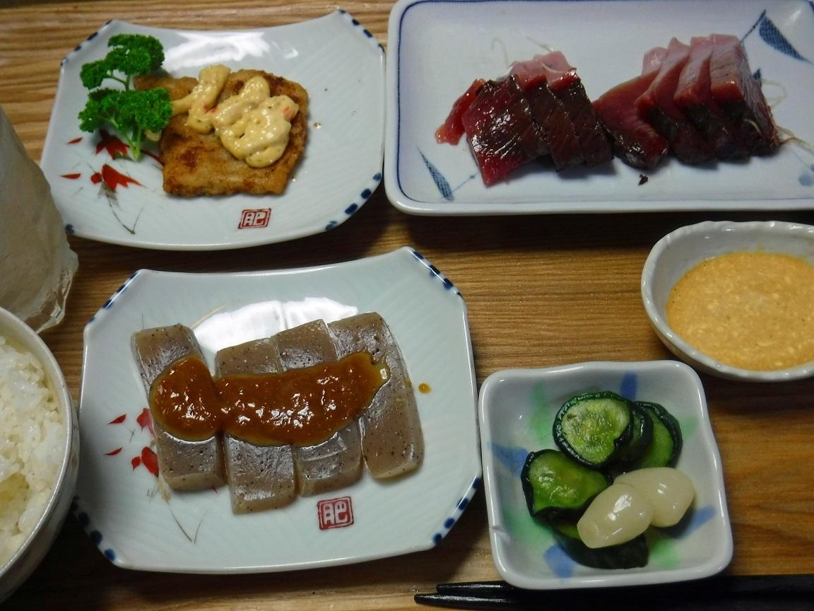 ブログ 夕食 カツオの刺身.jpg