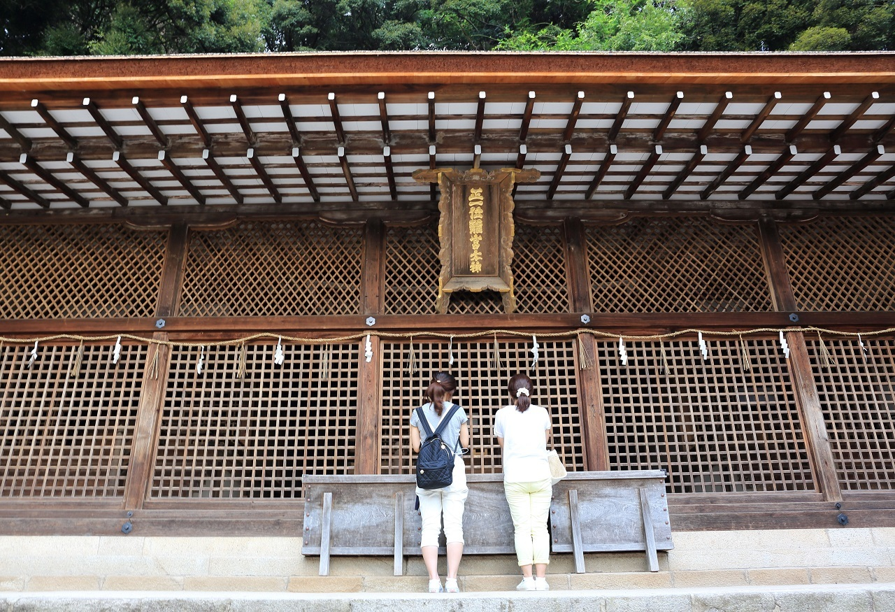 ブログ 宇治上神社(本殿).jpg