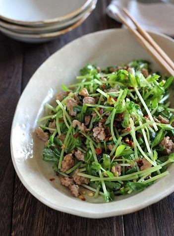 豆苗とひき肉の花椒炒め1
