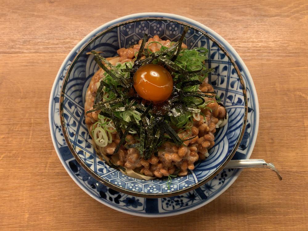 箸とレンゲ -- 日式納豆麺