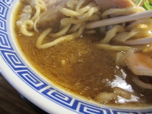 八ちゃんラーメン 濃厚中華ソバ スープ