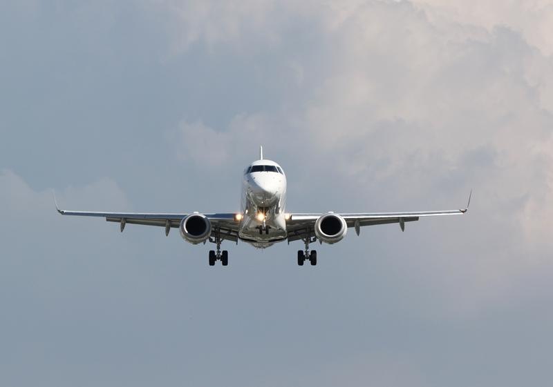 伊丹空港2190826