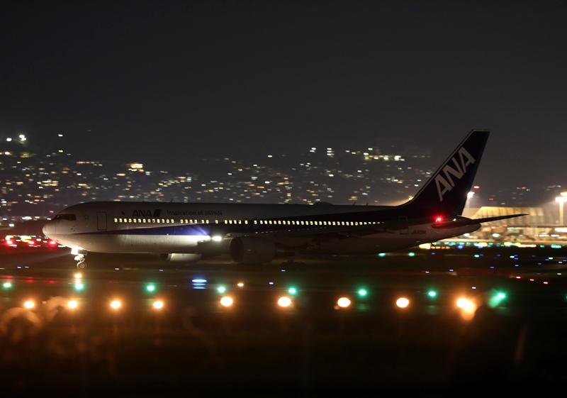 伊丹空港15190826