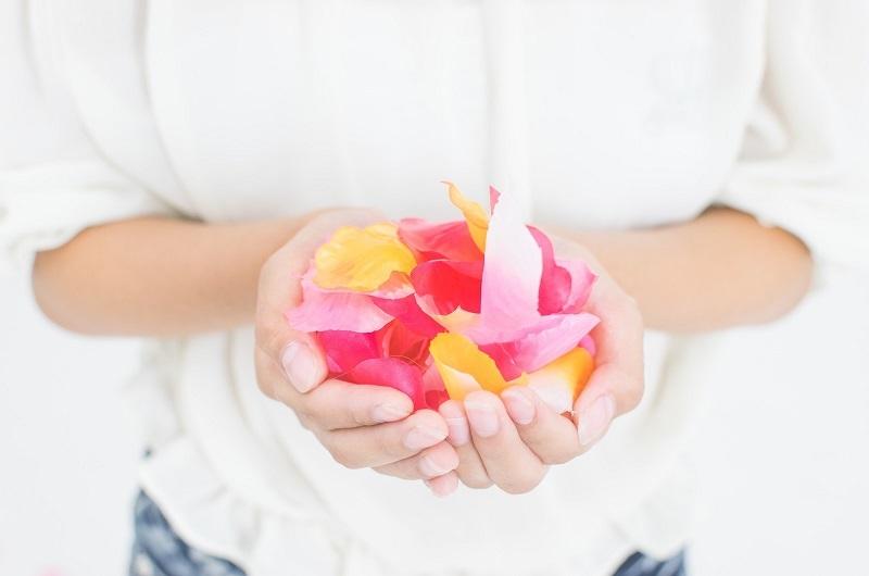 両手のお花