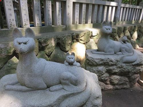 IMG_8480 狐の石像