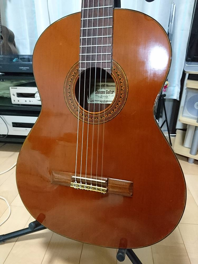 Shinanoのクラシックギターを綺麗にしました