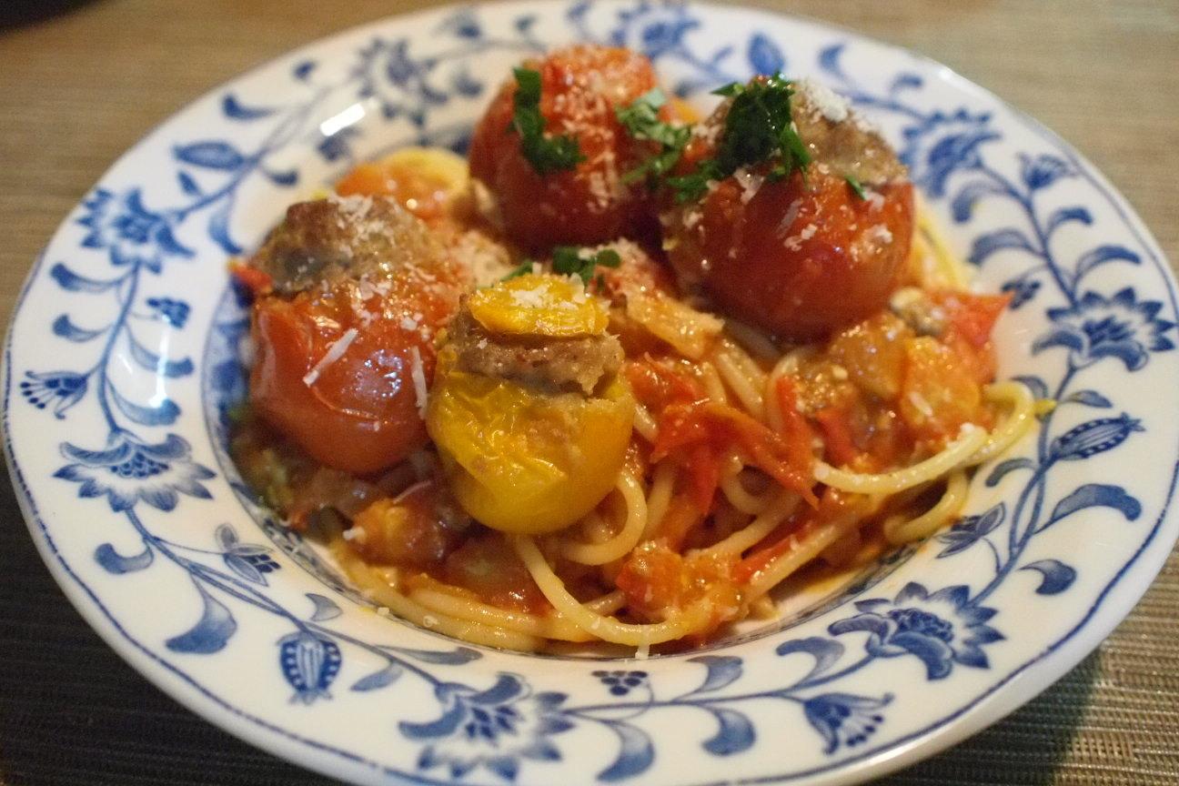 大盛り肉詰めトマトパスタ!