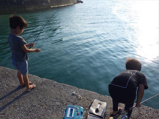 奥武島の堤防で (15)