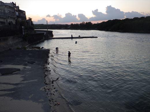 奥武島の堤防で (24)