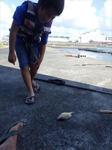 宜野湾漁港へ (23)_R