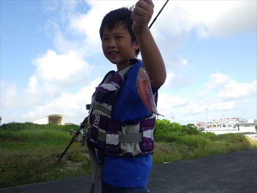 宜野湾漁港へ (27)_R