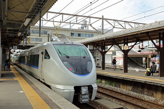 サンダーバード12号@芦原温泉駅