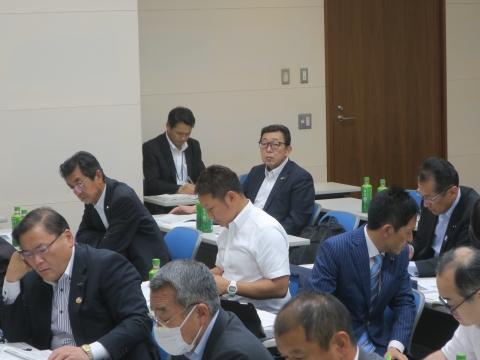8「保健福祉医療委員会」委員長報告本会議④