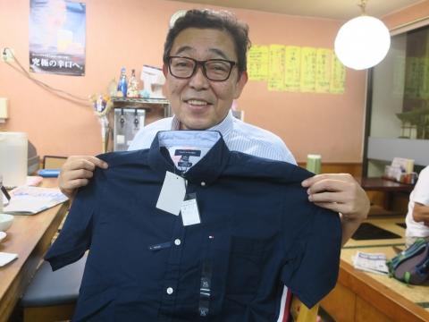 「娘と妻から、TOMMYのボタンダウンシャツをもらいました!」③