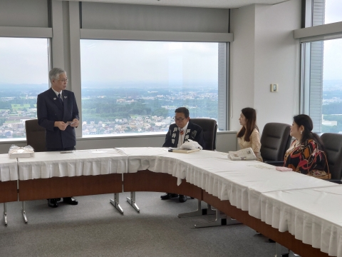 「山本恵莉子 教育長・交通局長PR表敬訪問」③