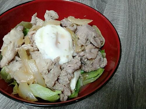 低糖質な豚丼!ん、豚丼風サラダ?!【1人分糖質9.4g】豆腐でご飯を代用すれば結構いける♪