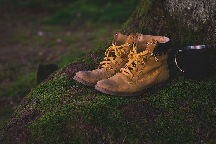 shoes-1638873__480.jpg