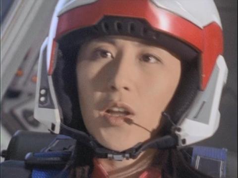 ソドムをどこに連れていくのか不安がるユミムラ・リョウ隊員(演:斉藤りさ)