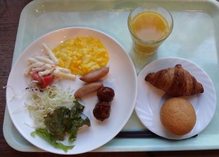 6:43 夫の朝食