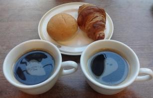 6:54 パンは私。最後は2人共コーヒーで。