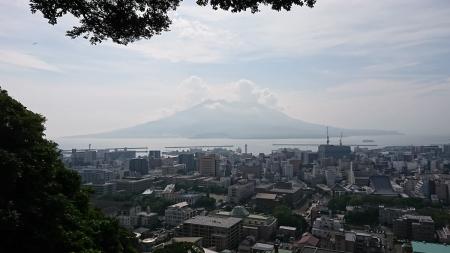 8:45 城山展望台からの見える桜島