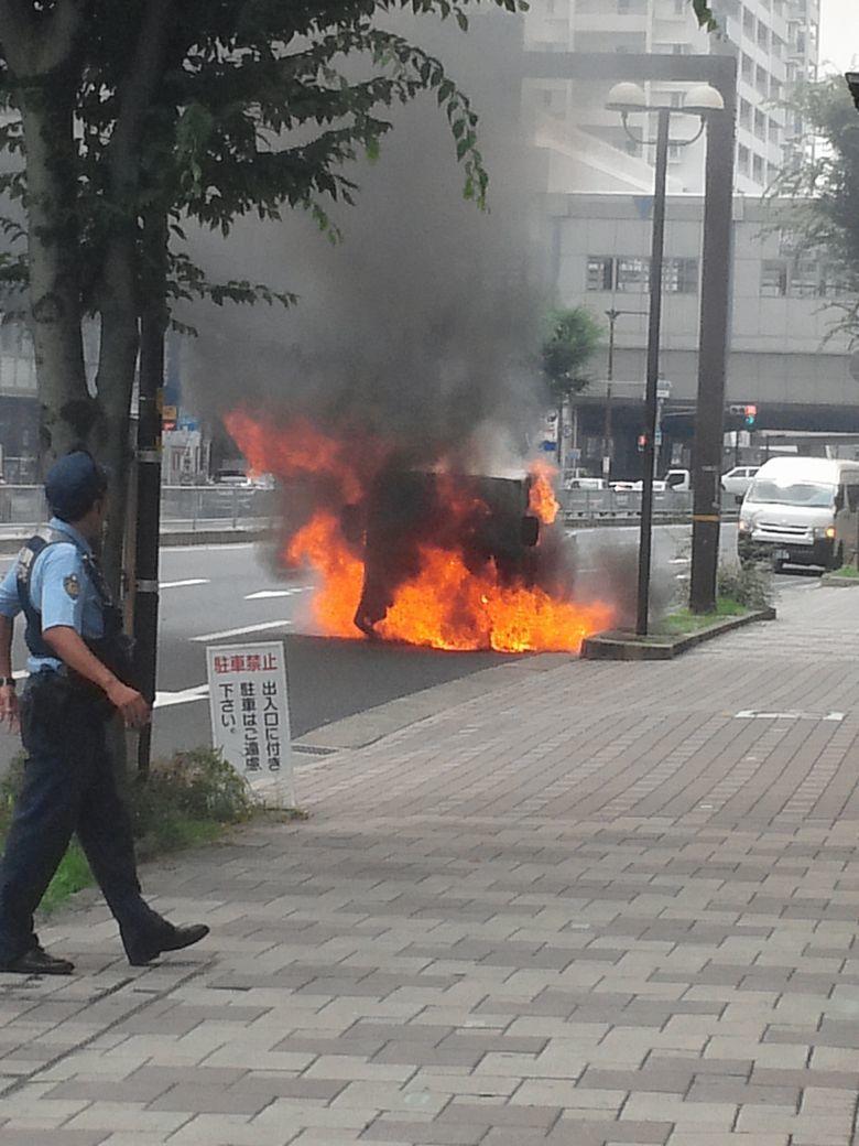 ⑨遭遇、トラック炎上
